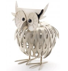 Twit Twoo, this Owl is full of character and has been finished to look distressed