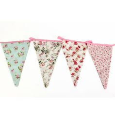 Great for in the kitchen, birthdays or at tea parties! Vintage floral design