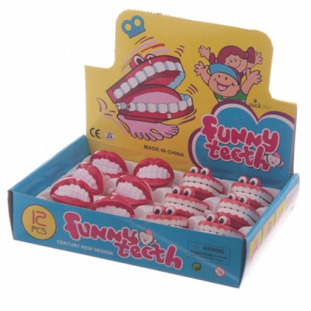 Retro funny chattering teeth in display box