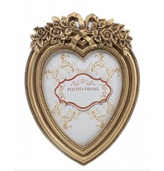 8x10in heart shaped photo frame with gold frame and exquisite detail