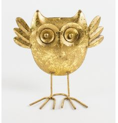 Attractive metal wide eyed owl ornament with a rustic gold finish.