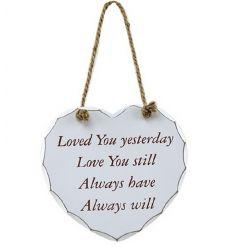 From the popular Heart Sentiment plaque range by Leonardo