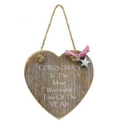 Chic wooden heart sign with rustic rope hanger and festive script