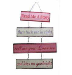 Pretty pastel coloured hanging plaque with popular read me quote