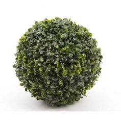 A stylish boxwood ball ideal for interior and exterior decoration.