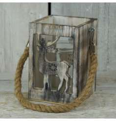 Add some woodland charm to the home this season with this gorgeous chunky lantern.