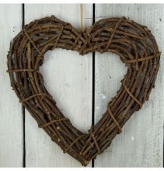 A gorgeous chunky heart wreath in a natural brown tone. Looks beautiful displayed as pictured or personalised with light