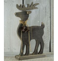 This standing driftwood reindeer decoration will be sure to tie in with any Woodland themed home