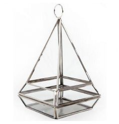 Hanging tlight holder in a pyramid shape