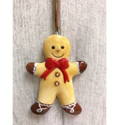 A must have this season! Friendly gingerbread men decorations with hanger.