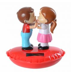A gorgeous fun and novelty kissing solar pal. A super popular item not to be missed!