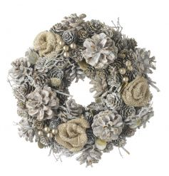 A beautiful full wreath with hessian roses, gold berries and a glitter finish.