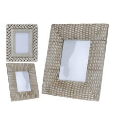 2 assorted chic antique silver photo frames with stylish and chunky frames.