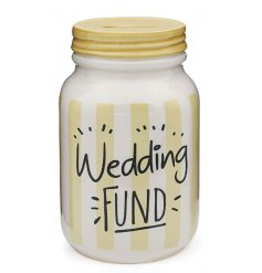 Be prepared for your special day with this mason jar style money box. A great gift item too!