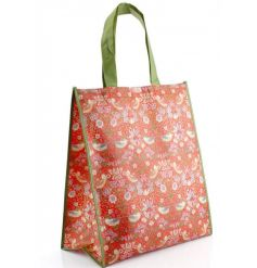 A stylish and practical shopper in the popular Strawberry Thief design by William Morris.