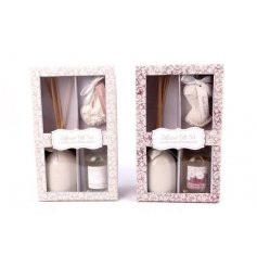An assortment of 2 pretty lace design gift sets. A gorgeous scented gift item.