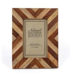 A multi wooden natural frame in a stylish zig zag design.
