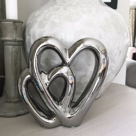 A beautifully simple double heart ceramic ornament