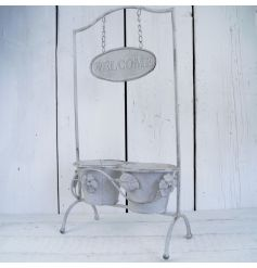This beautiful garden piece is perfect for any vintage garden theme