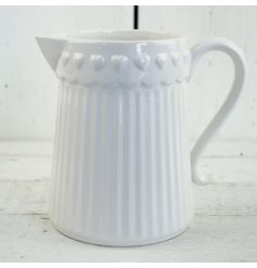This beautifully simplistic styled ceramic jug will fit in perfectly with any decor