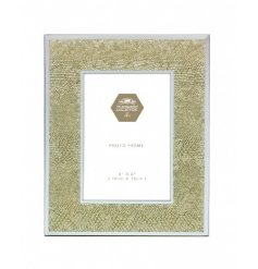 Capture those special moments with this on trend and glamorous gold snakeskin photo frame.