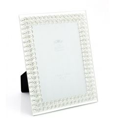 Showcase your favourite picture with this glamorous diamante photo frame.