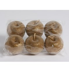 A set of 6 gold glitter decorative apples. Ideal for displaying in bowls and baskets.