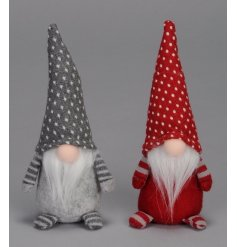 A mix of 2 red and white Gonk decorations. A must have Nordic style item for the festive season.