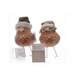 a sweet pack of 2 assorted standing glass owls, complete with their little legs and winter hats!