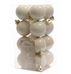 A stylish and simple pack of 18 mini shatterproof baubles in a plain white tone