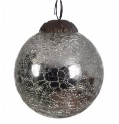 A silver crackled glass bauble