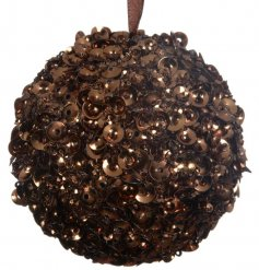 A chic chocolate coloured sequin bauble. A must have seasonal decoration which compliments many themes.