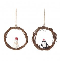 This sweetly assorted pair of hanging tree decorations will bring the perfect woodland touch