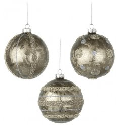 A beautiful set of 3 hanging baubles, set with a golden metallic look and sequin accents