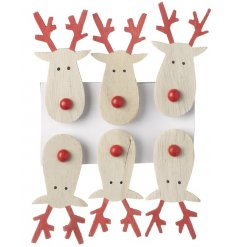 Sweet little wooden reindeer shaped pegs, perfect for card placements or hanging decorations