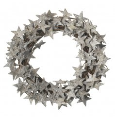 A stylish twig woven wreath finished with sparkly stars