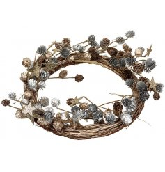A beautiful bramble styled round wreath, a great stylish twist for any glitz theme