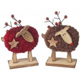 Add a sweet nordic feel to your christmas decor with these festive reindeers