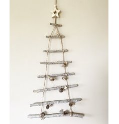 Switch up your christmas decor this year with this quirky alternative style christmas tree.