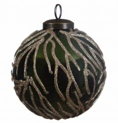 This delicately elegant set of luxury baubles will place nicely in any christmas tree.
