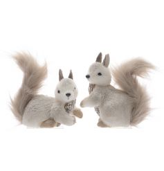 These two sweetly posed foam squirrels will look beautiful either sat under the christmas tree or as part of a woodland