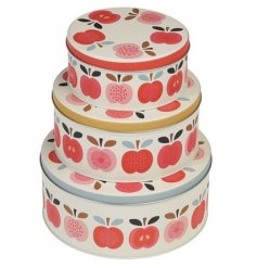 Store your freshly baked goods in this set of three nesting cake tins with a chic vintage apple design.