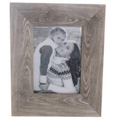 "An 5x7"" Wood Effect Frame"