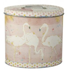 Store your biscuits, freshly baked goods and more in this pretty flamingo design storage tin!