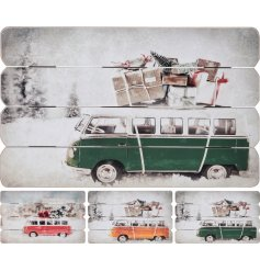 These stylish vintage themed wooden wall plaques will look perfect in any frosty feeling christmas decor