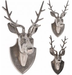 Hang this large and stylish Deer bust in your home at christmas for that ultimate modern luxe feel