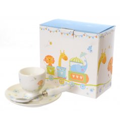 A charming egg cup set with a lovely circus design. A great gift idea for baby boys.