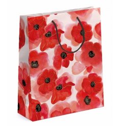 A beautiful medium sized watercolour style poppy design gift bag. Perfect for presenting gifts for many different occasi