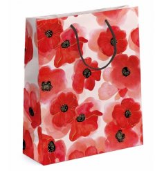 A beautiful large watercolour style poppy design gift bag. Perfect for presenting gifts for many different occasions.