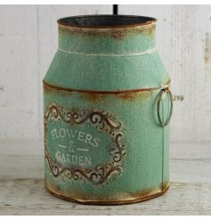 Add a beautiful distressed vibe to your garden display with this vintage inspired zinc milk churn planter